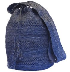 Indigo blue dyed natural fibre bags , woven by the indigenous Kankuamo tribe of Colombia Azul Indigo, Indigo Blue, Sierra Nevada, Deep Blue, Bucket Bag, Knitted Hats, Knitting, Brown, Patterns
