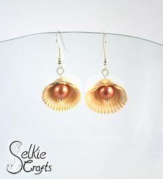 Shell pearl earrings, tan pearl and white shell dangle earrings, beach wedding earrings, bridesmaid earrings, seaside, ocean mermaid, summer earrings. Jewellery (jewelry) handmade in Scotland by Selkie Crafts.