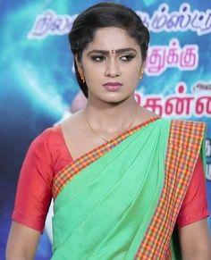 Beautiful Saree, Beautiful Indian Actress, Beautiful Women, Green Saree, Indian Teen, India Beauty, Model Photos, Housewife, Girl Face