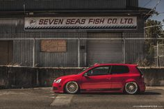 Volkswagen MKV R32 running Air Lift Performance management and Rotiform DUS wheels. #VW #Volkswagen #MKV #MK5 #R32 #AirLift #Rotiform #DUS #Vancouver #Canada # Automotive #Photography