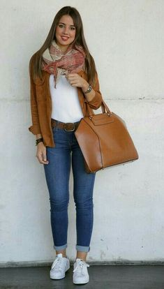 The post 51 Cute Street Style Outfit Ideas VIs-Wed appeared first on Italia Moda. Casual Work Outfits, Mode Outfits, Fashion Outfits, Womens Fashion, Fashion Trends, Trendy Outfits, Fashion 2020, Fashion Clothes, Denim Outfits