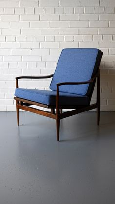 Gorgeous 'Isis' armchair by Robert Heritage c.1958