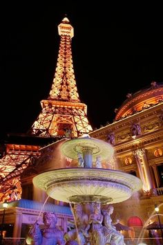 Eiffel Tower - Paris at Night Paris Tour, Oh Paris, Paris At Night, Montmartre Paris, Paris France, Night City, Tour Eiffel, Torre Eiffel Paris, Paris Eiffel Tower