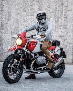 Custom Cafe Racer, Custom Bobber, Bmw Cafe Racer, Custom Bikes, Cafe Racers, Motorcycle Luggage, Motorcycle Types, Bike Bmw, Bmw Scrambler