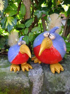 http://de.dawanda.com/product/42302834-Gartenkeramik-Skulptur-Paradiesvogel-Henne-Hahn