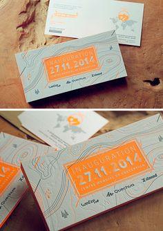Cartons invitation inauguration / Impression recto verso 2 couleurs avec débossage à sec et couleur sur tranche orange fluo / Letterpress invite