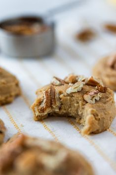 Gluten Free Peanut Butter and Pecan Breakfast Cookies - The Goldstein Sisters Gluten Free Peanut Butter, Gluten Free Baking, Gluten Free Recipes, Breakfast Cookies, Breakfast Recipes, Dessert Recipes, Breakfast Ideas, Spring Recipes, Winter Recipes