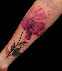 Phellipe Rodriguess flower tattoo