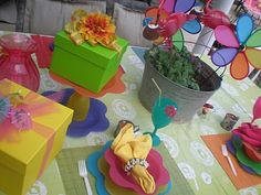 fun kid party tablescape