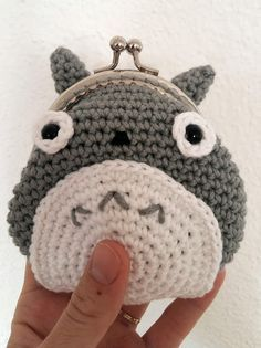 Totoro change purse. Pattern is in French. Needs to be translated.