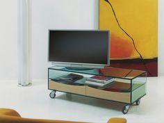 TV-Möbel aus Glas auf Rollen COMÒ BASSO - T.D. Tonelli Design