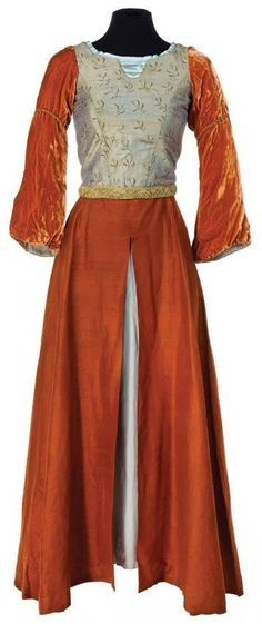 Lucy Pevensie's Cair Paravel dress from The Chronicles of Narnia: Prince Caspian.