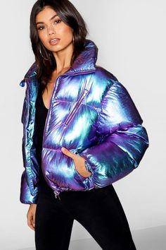Metallic Puffer Jacket - Women Puffer Jackets - Ideas of Women Puffer Jackets Uniqlo Outfit, Holographic Jacket, Holographic Fashion, Girl Outfits, Cute Outfits, Fashion Outfits, Uniqlo Jackets, Uniqlo Men, Metallic Jacket