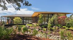 Kengo Kuma designed SUTEKI, a sustainably minded cross-cultural home in Happy Valley, Oregon. Kengo Kuma, Happy Valley, Oregon House, Portland Japanese Garden, Asian Landscape, Contemporary Style Homes, Contemporary Houses, Modern Houses, Inspiration Design