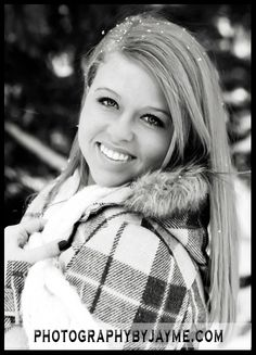 senior portraits in snow | Indiana Photgrapher: Photography by Jayme » Senior Pictures in Snow