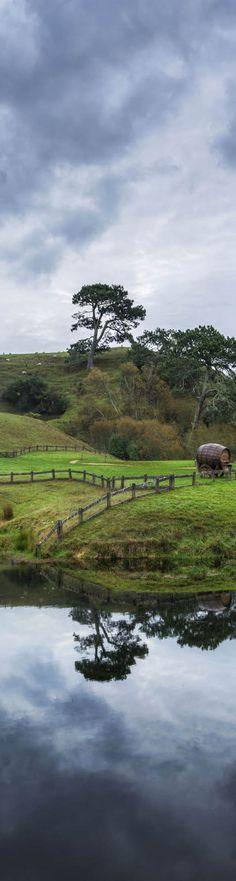 Exploring NEW ZEALAND  - (photo from #treyratcliff Trey Ratcliff at http://www.StuckInCustoms.com)