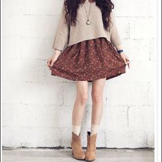 Hmm…looks like she layered the sweater over a peter pan-collared dress… – Outfit Inspiration & Ideas for All Occasions Tumblr Outfits, Mode Outfits, Fall Outfits, Casual Outfits, Fashion Outfits, Womens Fashion, School Outfits, Sweater Outfits, Skirt Outfits