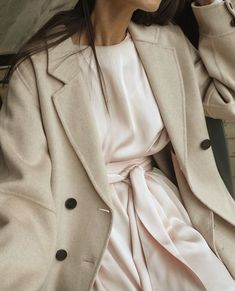 Womens fashion over 30 over 50 Womens Fashion For Work, Trendy Fashion, Boho Fashion, Ladies Fashion, Fashion Fall, Street Fashion, Trendy Dresses, Stylish Outfits, Cool Outfits