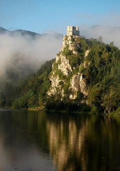 The gothic ruins of Strečno Castle in northern Slovakia (by ania i mat).