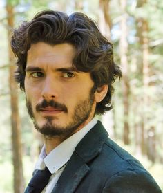 Yon González, Spanish actor. He is probably best known for his performance in the tv series The Boarding School (El internado), Grand Hotel and Bajo sospecha. His brother, Aitor Luna is actor too.