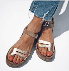 4c81327a85d 10 Comfortable Spring Sandals with Style