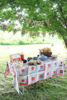 love the quilts as table covers. thinking for pie buffet