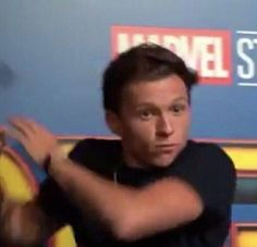 Marvel Memes and Tom Holland being cute and stuff. Avengers Cast, Avengers Memes, Marvel Memes, Stupid Memes, Funny Memes, Por Tras Das Cameras, Tom Holland Peter Parker, Tommy Boy, Mood Pics
