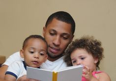 Father-child reading leads to improvements in learning and behavior http://wapo.st/2kJX51d