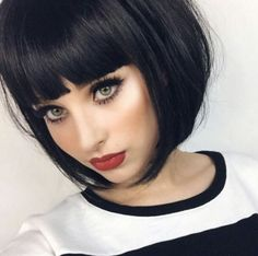 Find Many Short Hairstyles for Your OWN Style at Barbarianstyle.net! #beauty #shorthaircut #shorthairstyle #haircut #hairstyle Bob Haircut With Bangs, Long Bob Haircuts, Round Face Haircuts, Short Hair With Bangs, Short Hairstyles For Women, Hairstyles With Bangs, Straight Hairstyles, Bob Bangs, Blunt Haircut