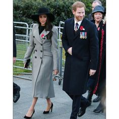 Prince Harry and Meghan Markle are attending an Anzac Day dawn service at Hyde Park to honour Australian and New Zealand forces who paid the ultimate sacrifice. They are visiting the Dawn Service at. Prince Harry Et Meghan, Princess Meghan, Harry And Meghan, Prinz Harry Meghan Markle, Harry And Megan Markle, Lady Diana, Markle Prince Harry, Prinz Charles, Kate Middleton