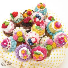 These colorful amigurumi cakes are my past works. I guess some of you might recognize me from these cake rings. Right now I do have one cake ring pattern (Berries N Cream Cake Ring) for sale but I'm thinking about creating more patterns of these amigurumi cake rings. Which one is your favorite? Any idea for a new flavor? Please let me know what you think! これらは過去作品のケーキリングです現在唯一日本語版の編み図があるのはケーキリングなんですが一番お問い合わせの多い作品なのでもう少し編み図を展開しようかと考え中 ということでちょいとご意見をお聞かせください…