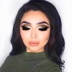Gorgeous Makeup: Tips and Tricks With Eye Makeup and Eyeshadow – Makeup Design Ideas Hooded Eye Makeup, Eye Makeup Tips, Smokey Eye Makeup, Glam Makeup, Makeup Trends, Eyeshadow Makeup, Makeup Ideas, Green Smokey Eye, Eyeshadows
