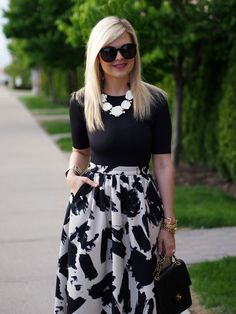 Suburban Faux-Pas: Splatter Skirt by Lee (Suburban Faux-Pas) Office Wear Women Work Outfits, Casual Work Dresses, Casual Skirt Outfits, Classy Outfits, Pretty Outfits, Chic Outfits, Fashion Outfits, Fashion Tips, Fashion Trends