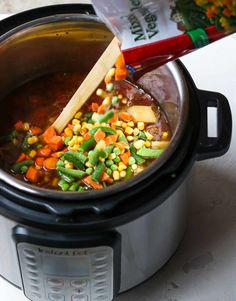 If you need an EASY dinner using your Instant Pot this Instant Pot Hamburger Soup is it! The soup only cooks for 4 minutes pop in a can of diced tomatoes and a bag of frozen mixed veggies for an quick flavorful and healthy instant pot dinner. Frozen Vegetable Recipes, Frozen Vegetables, Healthy Soup Recipes, Healthy Foods, Healthy Eating, Cooking Recipes, Hamburger Vegetable Soup, Hamburger Soup, Veggie Soup