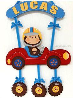 Letreros para decorar la puerta del hospital en el nacimiento de tu bebé, decorar la habitación, como regalo de cumpleaños, como reconocimiento en deportes... Baby Shower, Name Plate Design, Kids Room Accessories, Baby Door Hangers, Birthday Charts, Name Banners, Boy Decor, Felt Dolls, Mobiles