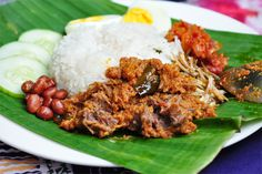 Nasi Lemak Food Dishes, Main Dishes, Nasi Lemak, Asian Noodles, Malaysian Food, Creative Food, Cravings, Chili, Rice