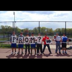 Cutest way to ask a girl to prom :)