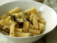 For those of you who are (or cook for the) gluten-free, we bring you some actually good ways to eat pasta with no guilt. We could never, ever give up pasta, and neither should you …