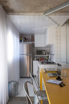 another neat, simple kitchen