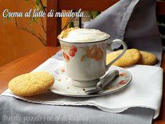 LaCrema al latte di mandorlaèun dolce al cucchiaio fresco, aromatizzato al limone, molto leggera e leggero, chenon contieneuova,glutine, né lattosio.