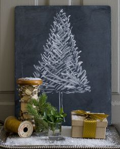 Small space DIY Christmas tree ideas // chalkboard tree