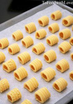 To Food with Love: Nastar Pineapple Rolls (Pineapple Tarts)