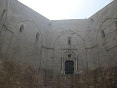 Corte interna Castel del Monte