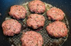 Great recipe for breakfast meal preps, this homemade whiskey maple sausage freezes well and is paleo friendly! Recipes With Maple Sausage, Sausage Recipes, Steak Recipes, Low Carb Recipes, Healthy Recipes, Sausage Breakfast, Breakfast Recipes, Homemade Breakfast, Homemade Whiskey