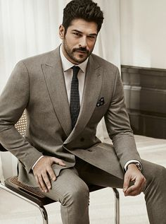 Formal Suits, Men Formal, Turkish Men, Turkish Actors, Stylish Men, Men Casual, 3 Piece Suits, Mens Fashion Suits, Gentleman Style