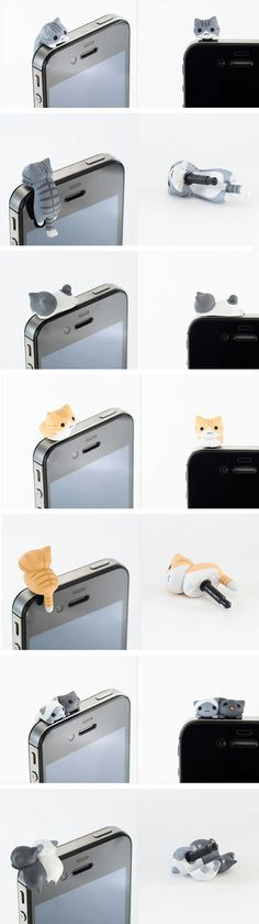 These iCat(s) should come hanging on every iPhone, even in pairs.
