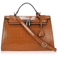 geanta mock crock Hermes Kelly, Tote Handbags, Crocs, Tote Bag, Crocheted Purses, Bags, Carry Bag, Hermes Kelly Bag, Tote Bags