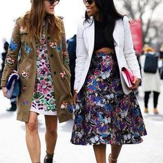 Feeling very today with a spring in our step and butterflies on our outfits Really wish i could pull this look off 🌚 Boho Chic, Bohemian Style, Stylish Outfits, Cool Outfits, Fashion Outfits, Ootd Fashion, Parisienne Style, Valentino, Covet Fashion