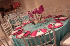 Decoração Azul Tiffany e Rosa Festa Debutante Verde Tiffany, Birthday Decorations, Table Decorations, Cinderella Party, Diy Wedding, Party Themes, Bridal Shower, Centerpieces, Invitations