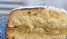 An Italian sponge cake that melts in the . An Italian sponge cake that melts in your mouth. Gourmet Recipes, Sweet Recipes, Cake Recipes, Dessert Recipes, No Bake Desserts, Delicious Desserts, Yummy Food, Chocolate Flan, Cake Land